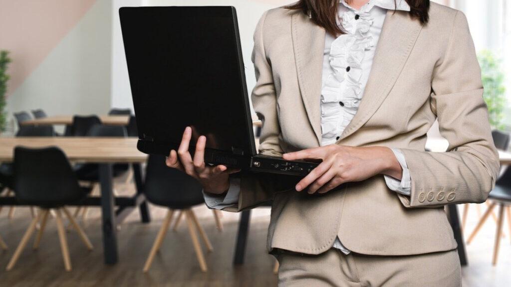 mujer emprendedora emprender comenzar un emprendimiento